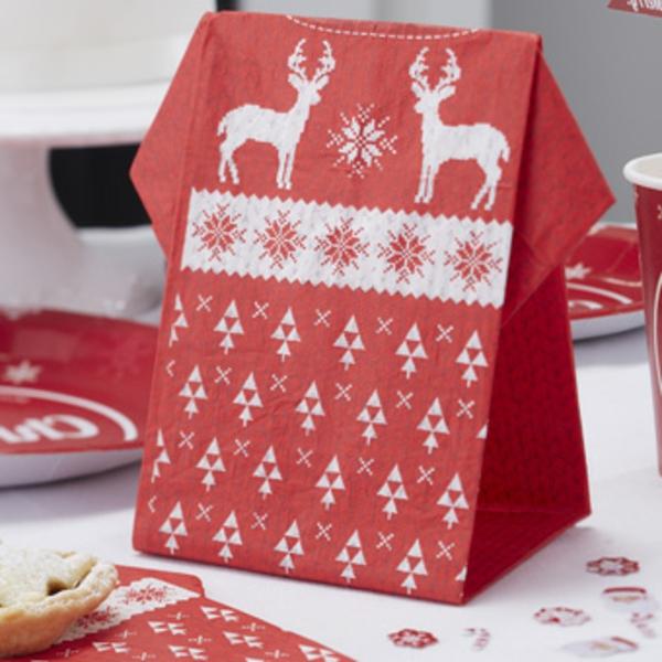 schöner-beutel-servietten-falten-weihnachten-dekoration