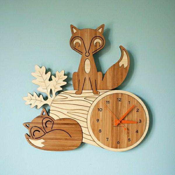 schönes-Design-aus-Holz-Wanduhr-Design-fantastische-kreative-Wanddeko