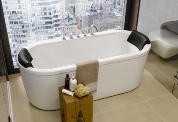 schickes-design-von-badewanne-mit-schürze