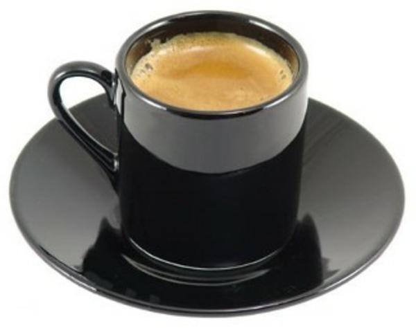 schwarze-espresso tassen-weißer-hintergrund