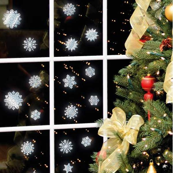 sehr-süße-fensterdeko-zu-weihnachten-schneeflocken