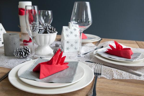 sehr-schöne-servietten-falten-weihnachten-dekoration