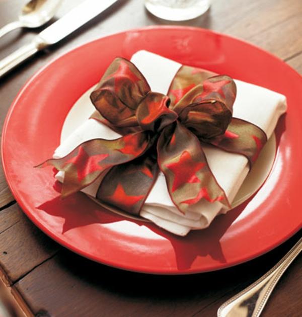 servietten-falten-weihnachten-dekoration-sehr-elegante-dekoration