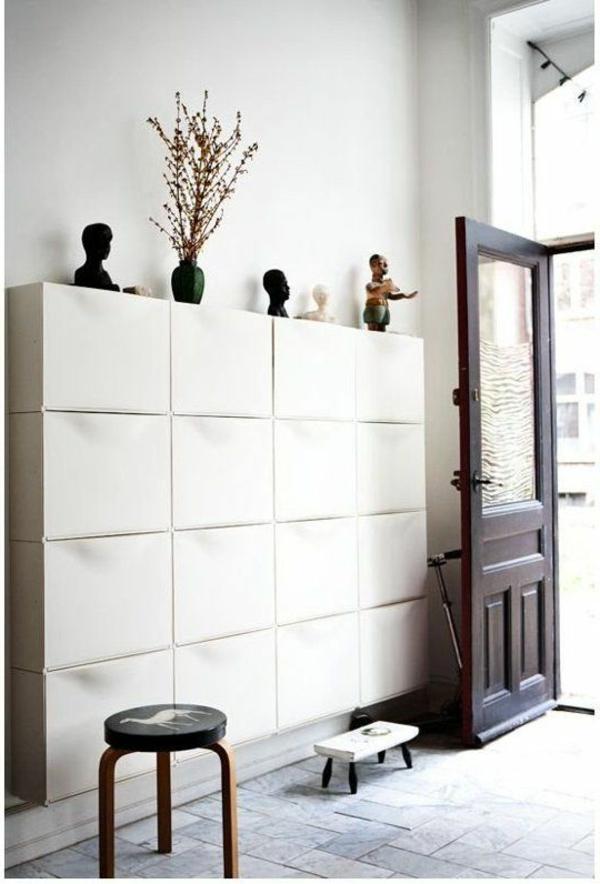 stilvolle--Atmosphäre-in-der-Wohnung-mit-Flurmöbeln-in-Weiß