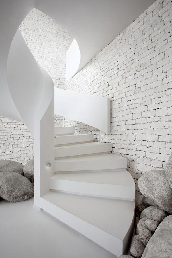 stilvolle-weiße-Innentreppen-Innenarchitektur
