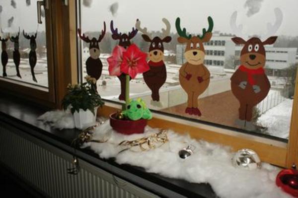 super-coole-fensterdeko-zu-weihnachten-aus-papier-gemacht