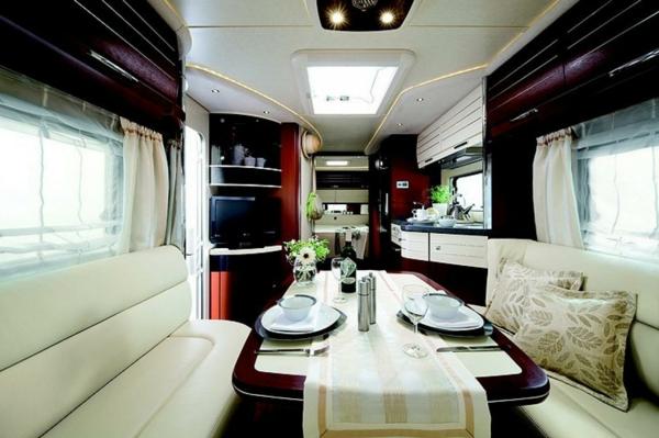 super-modernes-Interior-Wohnmobil-mieten-Wohnmobil-mit-Luxus-Design-