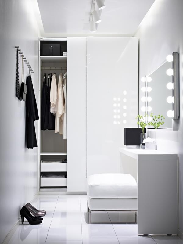 super-modernes-luxus-ankleidezimmer