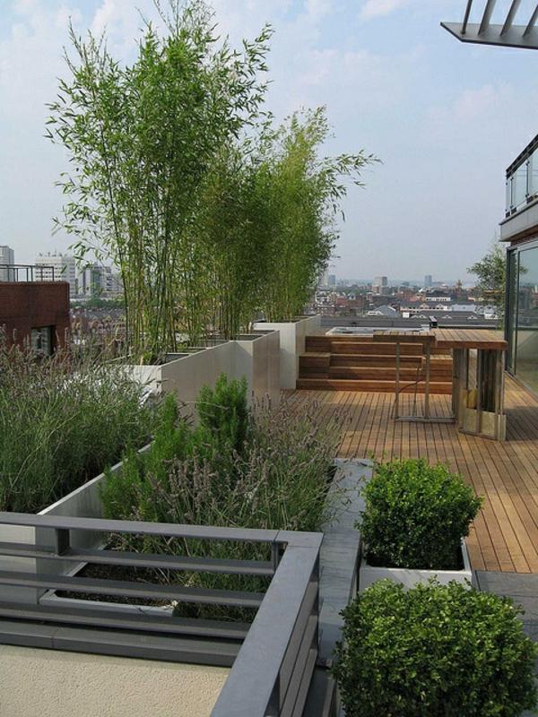 super-schöne-Terrassengestaltung-mit-vielen-Pflanzen-moderne Terrassengestaltung