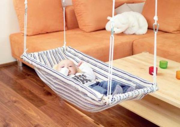hangematte wohnzimmer. Black Bedroom Furniture Sets. Home Design Ideas