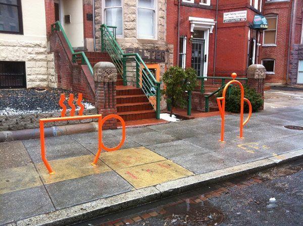 super-tolle-Fahrrad-Ständer-in-Orange