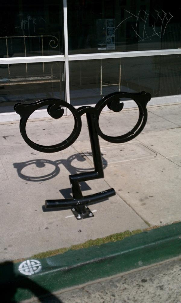 -super-tolles-Design-für-einen-Fahrrad_Ständer