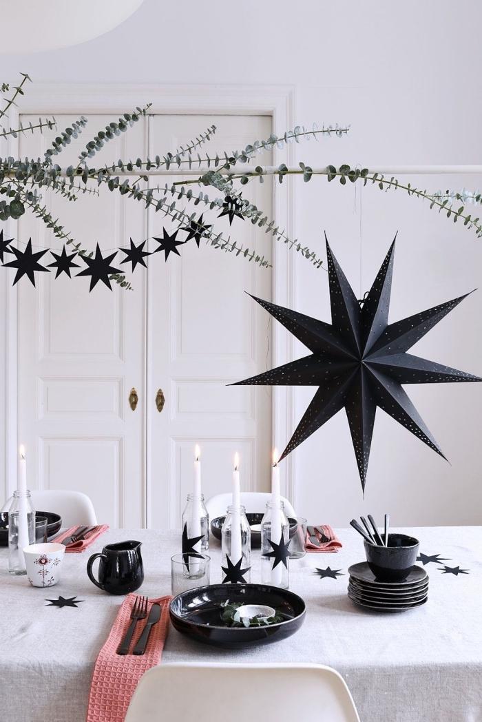 tischdeko zu weihnachten, tischdekoration in weiß und schwarz, tisch dekorieren, großer stern