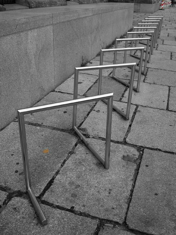 toller-Fahrrad-Ständer-aus-Edelstahl-