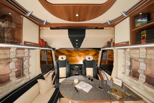 tolles-vWohnmobil-mit-modernem-Interior-Design