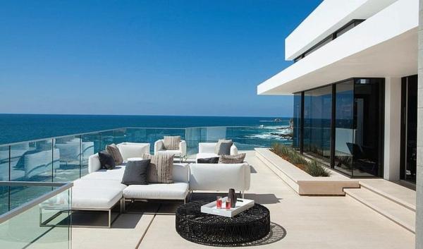 -ultra-moderne-und-stilvolle-Terrassengestaltung