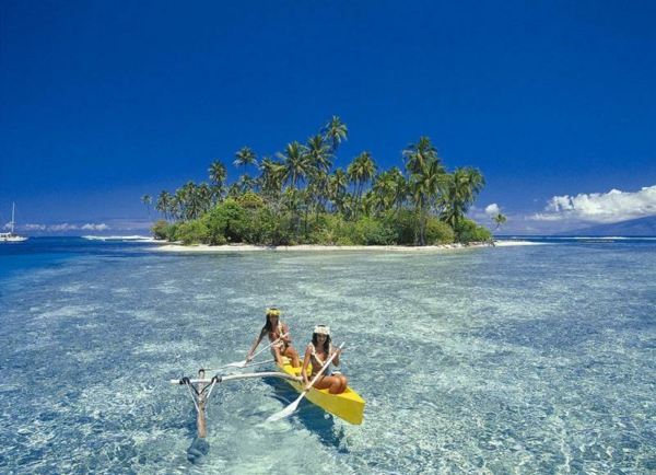 urlaub-in-französisch-polynesien-mitten-im-wasser