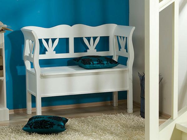 weiße-Sitzbank-für-den-Flur-mit-tollem-Design
