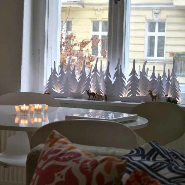 weiße-fensterdeko-zu-weihnachten-sehr-cool