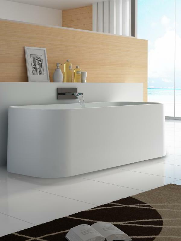 weiße-inspirierende-kleine-badewannen-freistehend