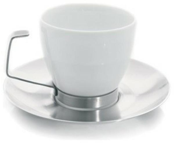 weiße-moderne-und-super-schöne-espressotasse