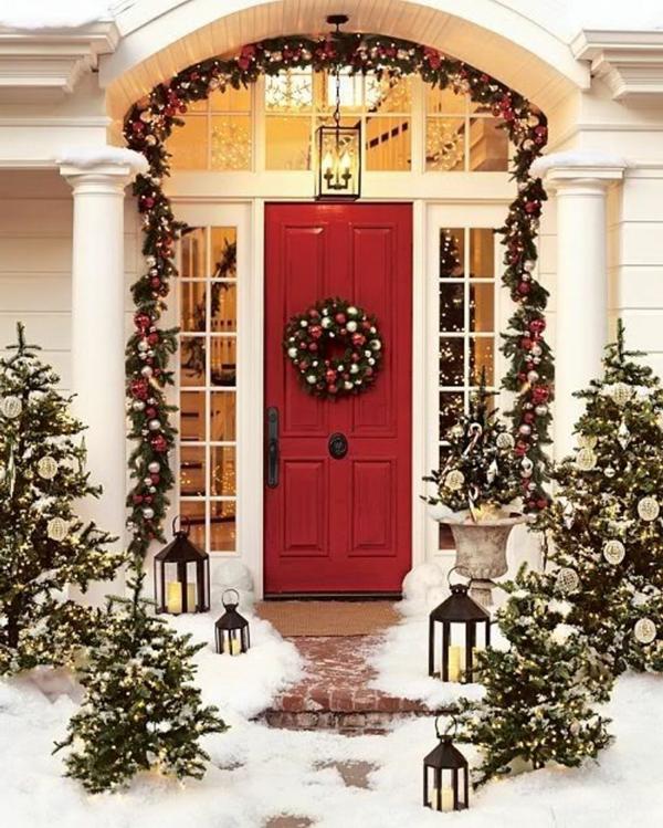 weihnachtsdeko-ideen-für-die-rote-tür