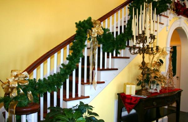weihnachtsdeko-ideen-für-die-treppen