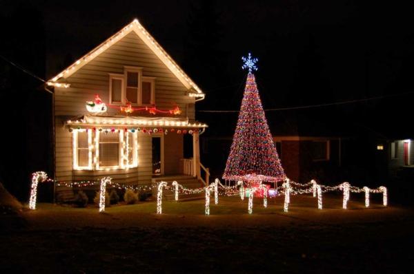 weihnachtsdeko-ideen-leuchtendes-haus