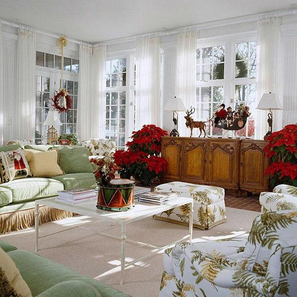 weihnachtsdeko-ideen-rote-dekoartikel-im-weißen-zimmer