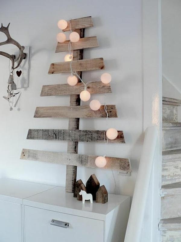 weihnachtsdeko-ideen-tannenbaum-aus-hölzernen-brettern
