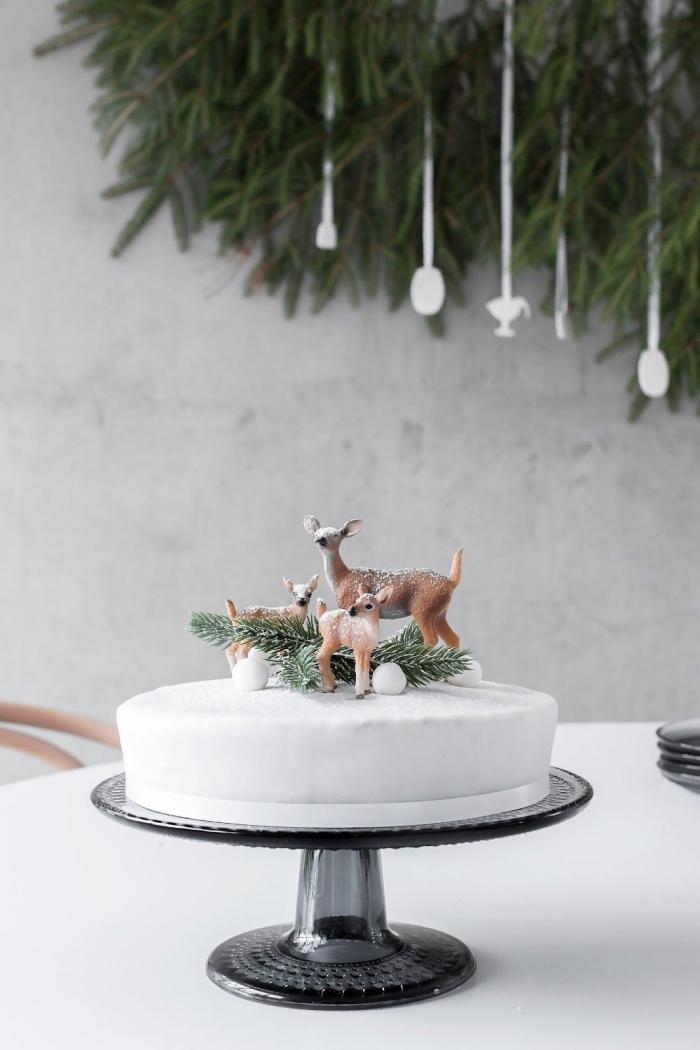 weihnachtsdeko tisch, tischdekoration zu weihanchten, torten verzieren, kleine hirsche