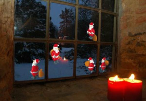 weihnachtsmänner-fensterdeko-zu-weihnachten
