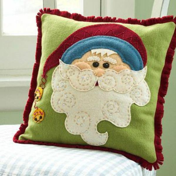 weihnachtsmann-basteln-ein-dekokissen