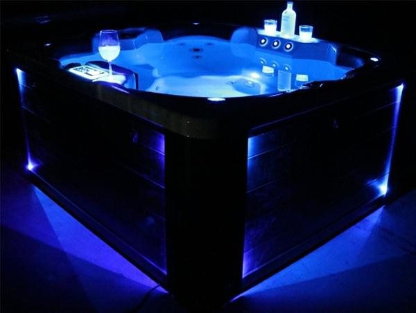 whirlpools-für-innen-blaue-beleuchtung