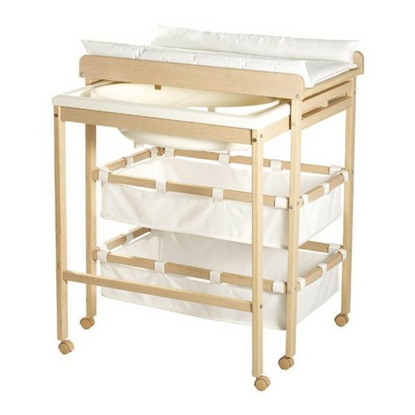 wickeltisch-mit-badewanne-weißer-hintergrund-und-schönes-design