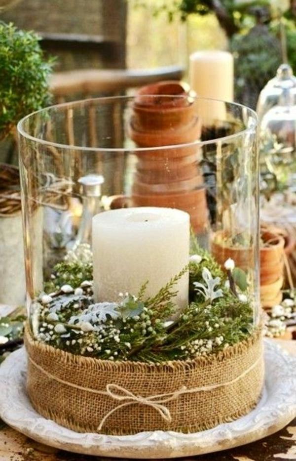 wunderbare-Weihnachtsdeko-mit-weißer-Kerze-im-Glas