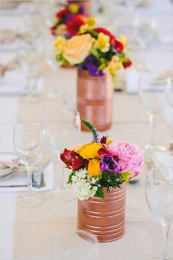 wunderschöne-elegante-Hochzeitsdeko-mit-Blumen