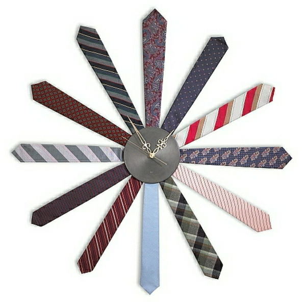 wunderschöne-moderne-Wanduhren-mit-faszinierendem-Design-Krawatten