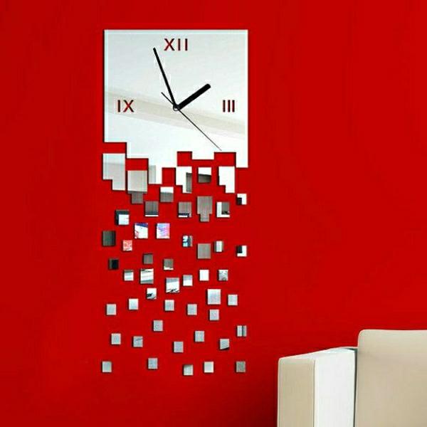 wunderschöne-moderne-Wanduhren-mit-faszinierendem-Design-an-roter-Wand