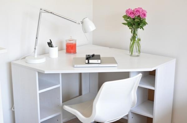wunderschöner-weißer-Schreibtisch-in-Weiß