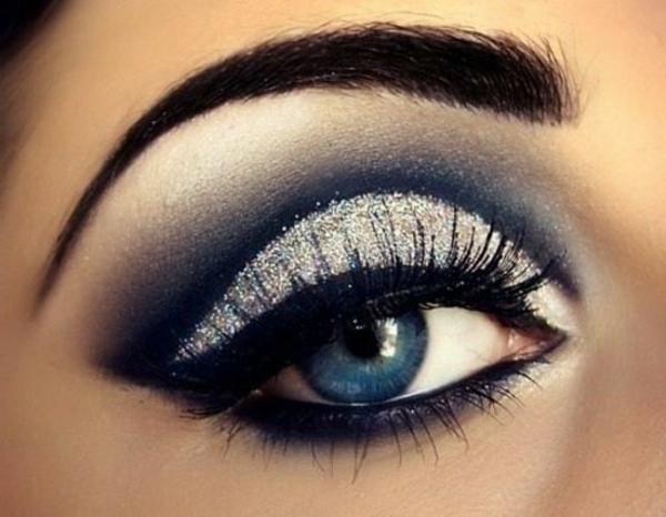 Фото красивого макияжа для синих глаз