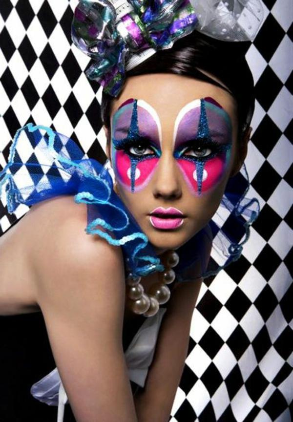 clownschminken-extravagante idee - interessante hintegrund in weiß und schwarz
