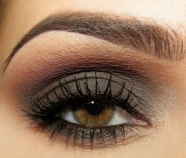 smokey eye schminken - wunderschönes foto