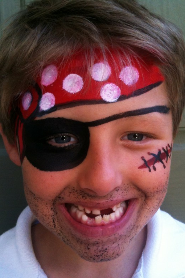 kreatives piratschminken - lustiges foto