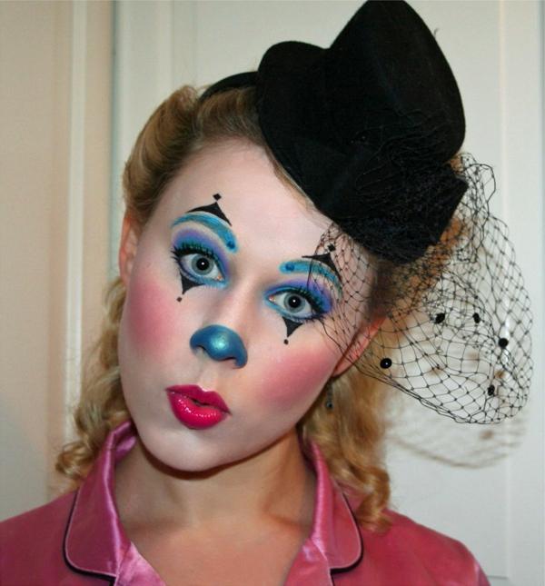 clownschminken - lustiges aussehen einer frau mit einem lustigen gesicht