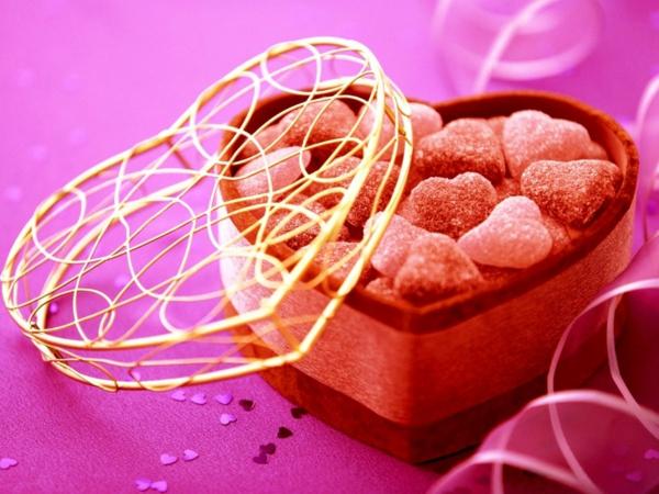 herz-box-box-in-herz-geschenk-rot-pink