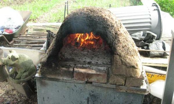 pizzaofen im garten - auffälliges modell