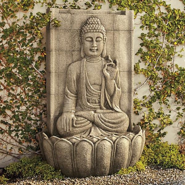 Buddha-Brunnen-aus-stein-gebaut