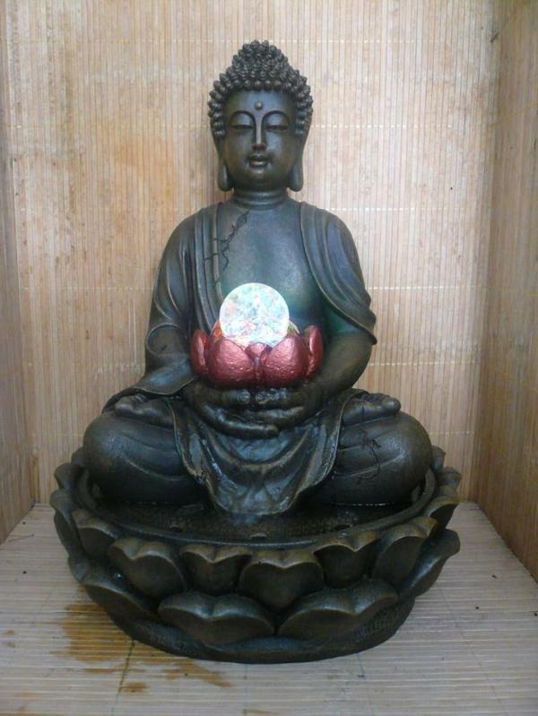 Buddha-Brunnen-exotisches-aussehen