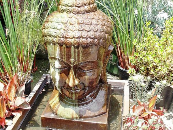 Buddha-Brunnen-sehr-interessantes-modell